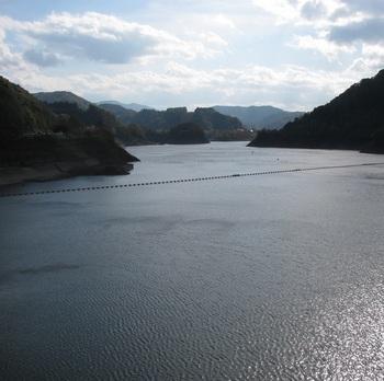 浅瀬石川ダム3.jpg