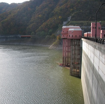 浅瀬石川ダム1.jpg